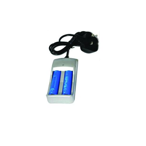 Chargeur pile AA 3.7V ion pour Lampe Super Ledium 50 FA&MI