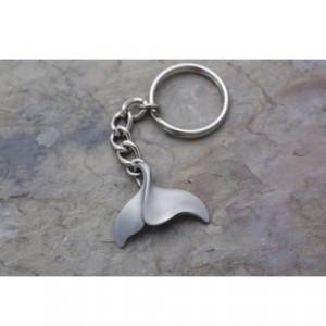 Porte clés Queue de Baleine TURTLE PROD en etain massif